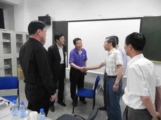 汽车工程系召开上海大众专场招聘会
